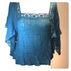 Beautiful ONEAL Teal blouse